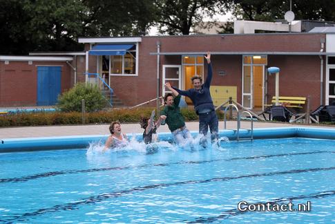 Op 26 september 2013 heeft de gemeenteraad besloten zwembad Het Elderink terug te geven aan de gemeenschap.