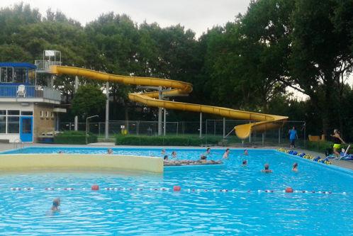 Heel Hengelo werkt mee aan zwembad – Artikel in Contact.nl van 5 augustus 2014
