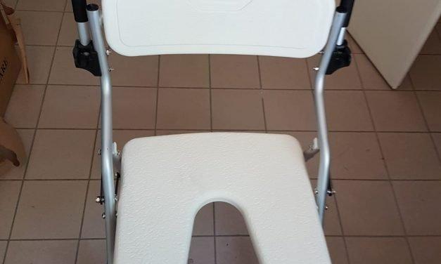 Na onze invalide lift hebben we nu ook een douche stoel